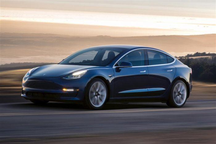 Tesla Model 3- ô tô đáng mua nhất
